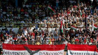 Масови протести на унгарци в Словакия, депутат предупреждава за война