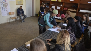 Неграмотен председател на избирателна секция в Петрич
