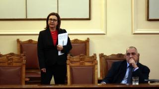 Внушението, че МВР не работи вика престъпниците и терористите, притеснена Бъчварова