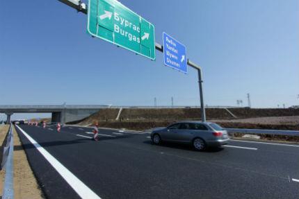 С 10 км/ч да бъде намалена скоростта по магистралите предложиха експерти
