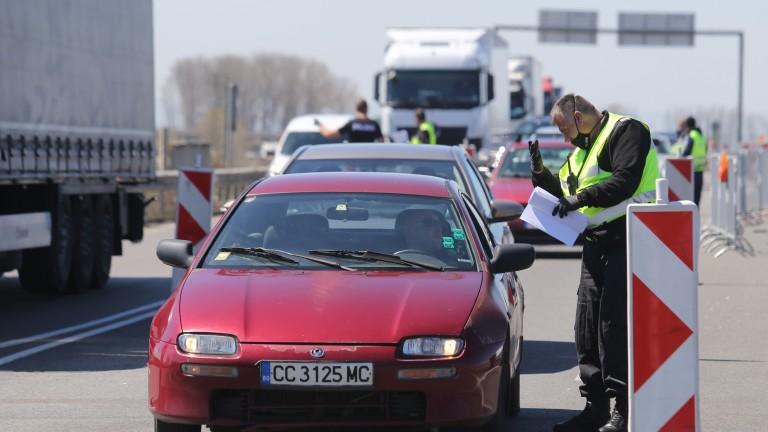 Задържаха двама шофьори, опитали да пробият блокадата на София