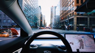 Да заспиш, докато караш Tesla