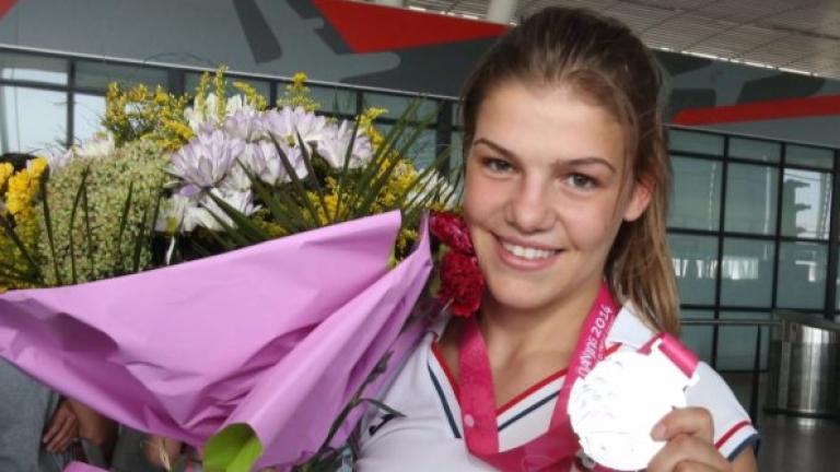 Джудистката Бетина Темелкова в подкрепа на жертвите на насилие