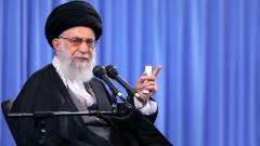Хаменеи забрани на Иран да преговаря със САЩ