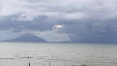 Вулканът Анак Кракатау драстично по-малък след изригването