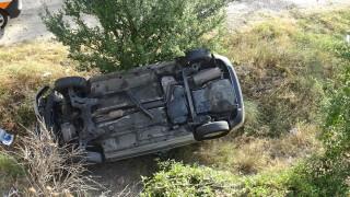 Кола се обърна по таван в Русе, 20-годишен пострада