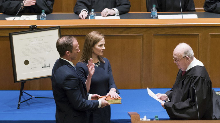 Президентът на САЩ Доналд Тръмп избра съдия Ейми за наследник