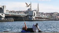Как евтината лира трябва да помогне на Турция да възроди икономиката си?