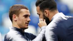 Мустаците на Адил Рами носят късмет на френския тим