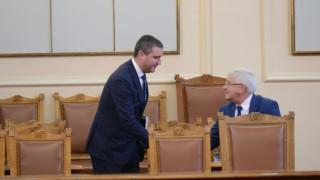 Горанов против бонуси в Търговския регистър, докато не е работил