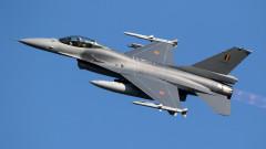 Холандия вдигна по спешност два изтребителя Ф-16 заради американец побойник