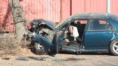 Жена загина, а момче е в кома след катастрофа край Харманли