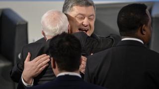 Порошенко предупреди Запада срещу помиряване с Русия