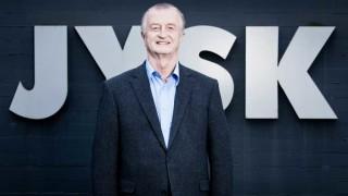 Почина създателят на веригата JYSK, който беше и най-богатият човек в Дания