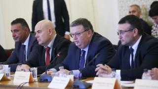 Цацаров възмутен, че няма наказуемост за производство на контрабандни цигари