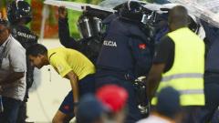 Счупени щитове, летящи седалки, малко кръв и три гола: Гана е на финал!