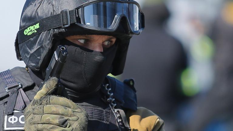 Руски медии съобщават, че стрелец е открил огън с ловна