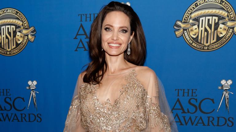 Наскоро стана ясно,че Анджелина Джоли и Брад Пит са много