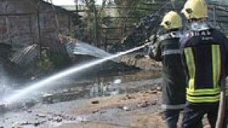Пожар изпепели три тролейбуса в Бургас
