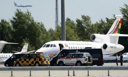 Испания отвори въздушното си пространство за самолета на Моралес