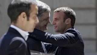 Макрон обяви, че Франция няма да признае анексирането на Крим от Русия