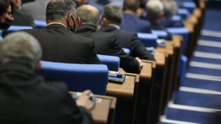 Депутати видяха лобизъм в регламента за частните линейки