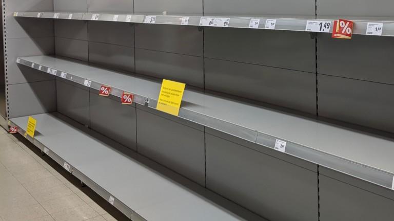 Продаване на паника: Тоалетната хартия отново изчезва от рафтовете на супермаркетите в Германия