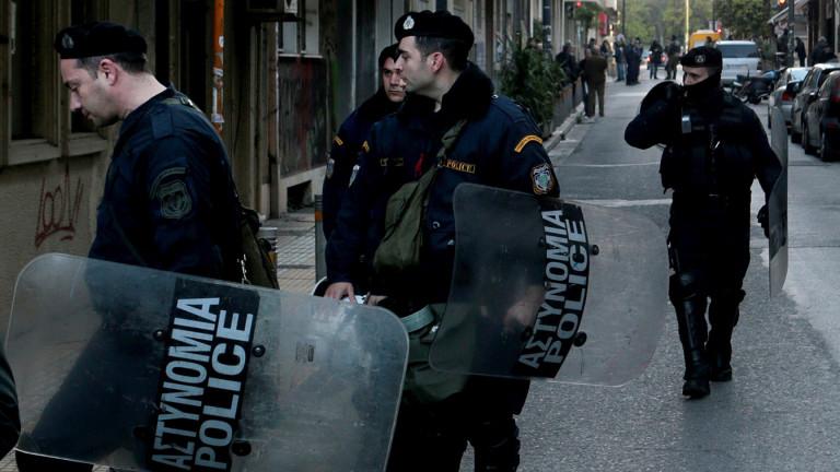 В Гърция арестуваха двама за фалшификация на български паспорти за мигранти