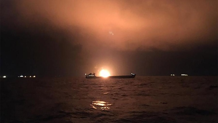 Русия изпраща два буксира в Керченския пролив