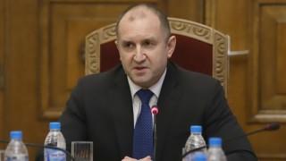 За по-активна комуникация в ЕС настояват Радев и словенския му колега