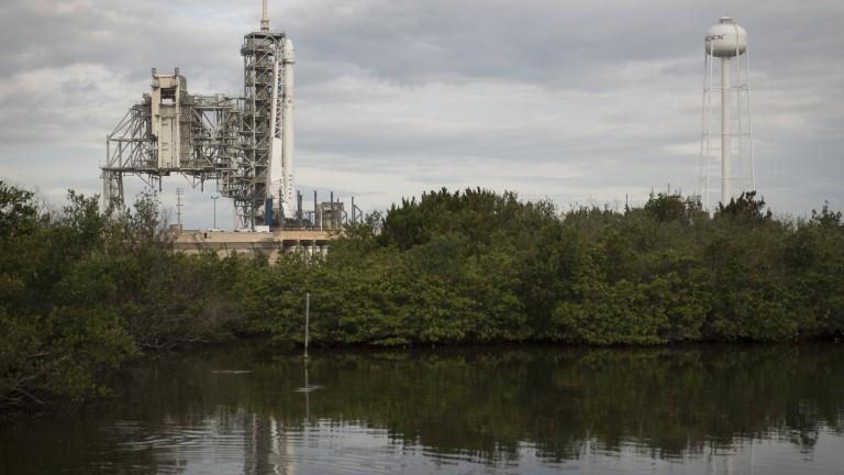 SpaceX отмени втори опит за изстрелване на ракета 10 секунди преди старта