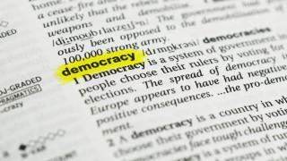 Европейската демокрация умира