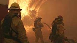 Пожар вилнее в околностите на Лос Анджелис