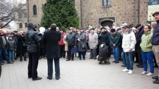 Митингът в подкрепа на отец Кортези: Защо институциите мълчат?