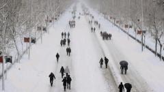 Властите в Испания доставят ваксини и храни в откъснатите от снежната буря райони