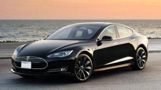 Tesla добавя функция за автопилот в автомобилите си (ВИДЕО)