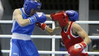 Севда Асенова и Мелис Йонузова отпаднаха на 1/4-финал на Световното първенство по бокс