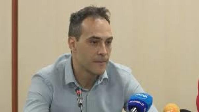 Mениджърът на българския национален отбор по волейбол Стефан Чолаков изнендващо