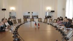 Депутати обсъдиха с германския посланик у нас последиците от кризата в Афганистан