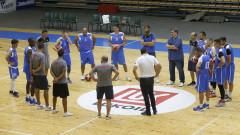 Левски Лукойл проведе първа тренировка под ръководството на Константин Папазов