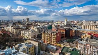 Трима ранени при престрелка между авиопревозвачи в Украйна