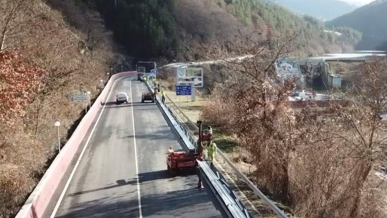 Пътят край Своге все така пълен с дефицити, свързани с пътната безопасност