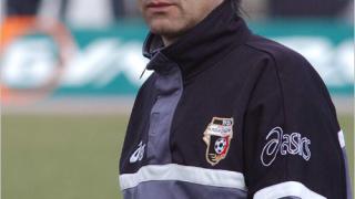 Нафтекс кани за треньор Масларя