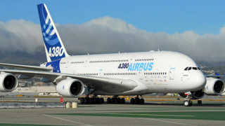 Най-големият пътнически самолет в света започва нов живот