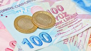 Турската лира пада за трети пореден ден, еуфорията от вдигането на лихвите...