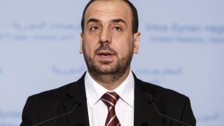 Харири на посещение в Париж, след което подава оставка