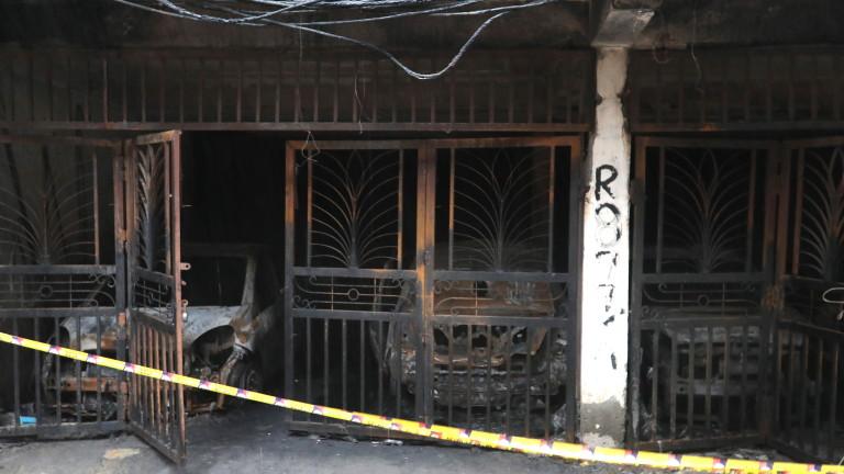 Снимка: 35 загинали при пожар в Делхи