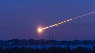 В Русия запечатаха на видео падането на ярък метеорит