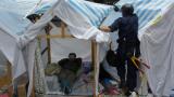 Полицията в Хонгконг вдига последните барикади на протестиращите