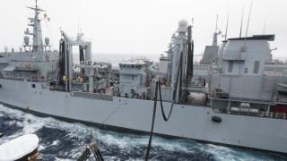 Американската флота уволни двама топ командири